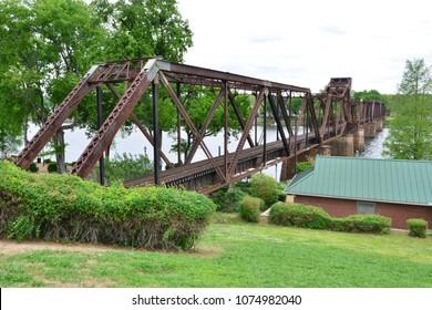 The river Savannah Railroad bridge at Augusta, Georgia, USA