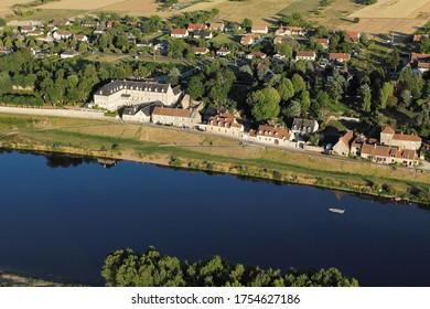 Rivière Saint-Dyé-sur-Loire vue du ciel, département du Loir-et-Cher (41), région du Centre-Val de Loire, France