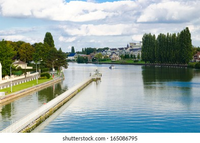 river in the town of Compiegne, France