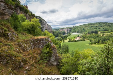 Lot River and the valley at Saint Circ Lapopie