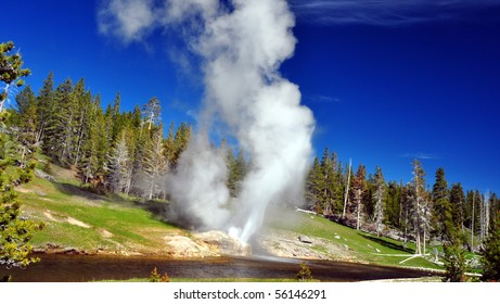 Riverside Geyser, Old Faithful Basin, Yellowstone National Park