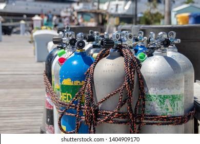 Imágenes, fotos de stock y vectores sobre Botella De Gas