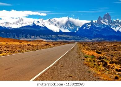 Road to El Chalten, Fitzroy and Cerro Torre, Andes. Argentina.
