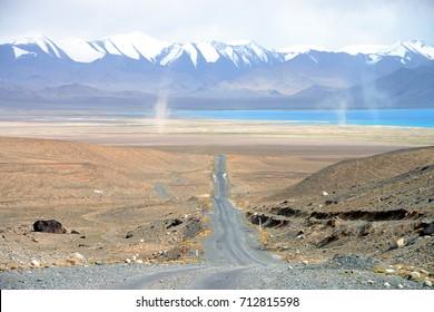 Road to Karakul lake in Badakhshan, M41 Pamir Highway, Tajikistan