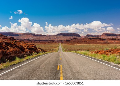 Road leading to Monument Valley. Utah, USA