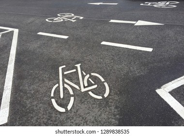 Road marking bicycle lane