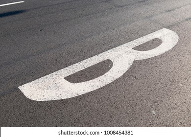 road marking letter b