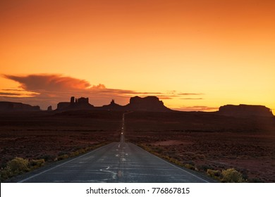 Road to Monument Valley in the last Daylight