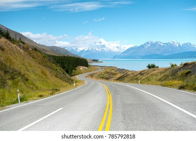 Road to Mount Cook , New Zealand