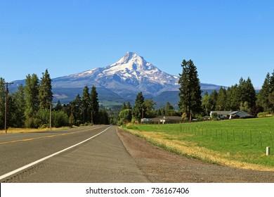 Road to Mt. Hood, Oregon, USA