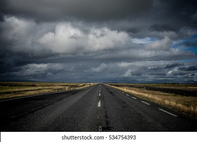Road to nowhere / Iceland