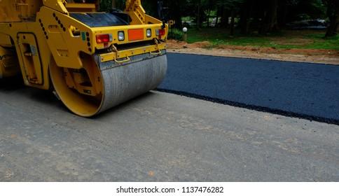 road roller repairing the asphalt