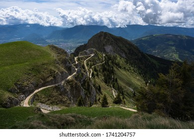 The road for the shelter Giorgio Dal Piaz - Monte Pavione Feltre Italy