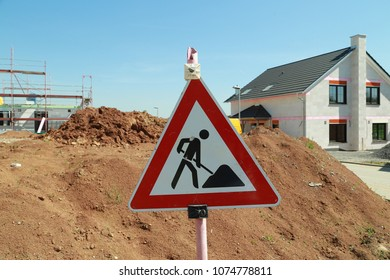Road Sign Construction area sign, Germany, Europe, Realestate/ Schild an einer Baustelle