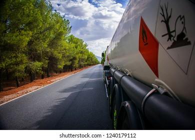Road tanker truck