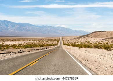 the road through the Death valley