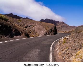 road through the mountains of Gran Canaria