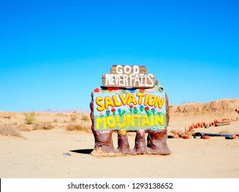 Road trip to Salvation Mountain