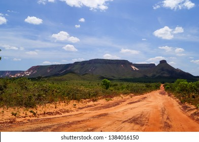 Roads and mountains in Jalapão State Park ( Parque Estadual do jalapao ) - Tocantins, Brazil