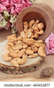 Roast cashew nuts with salt