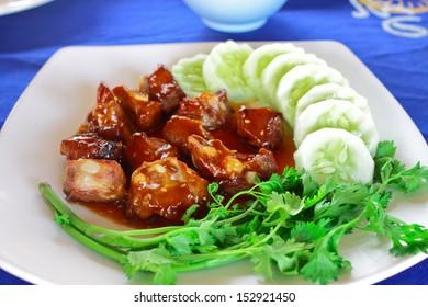 Roast sparerib and honey with side dish