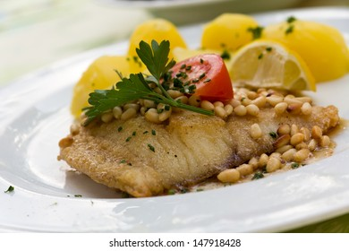 roasted pikeperch fillet with boiled potatoes