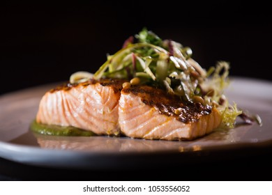 Roasted salmon with salad
