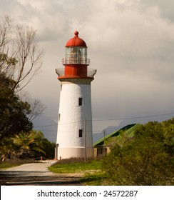 The Robben Island Lighthouse is 18 meters (59') high and visible for 24 nm.