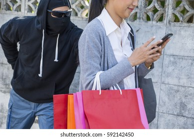 the robbers steal woman
