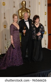 ROBERT ALTMAN with MERYLE STREEP (left) & LILY TOMLIN at the 78th Annual Academy Awards at the Kodak Theatre in Hollywood. March 5, 2006  Los Angeles, CA  2006 Paul Smith / Featureflash
