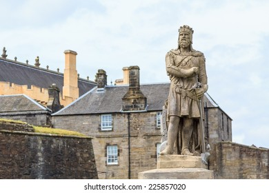 Robert the Bruce, king of Scots; stone statue in front of Stirling castle. Scotland