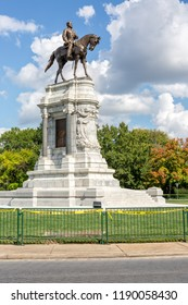 Robert E. Lee Monument on Monument Avenue in Richmond, Virginia