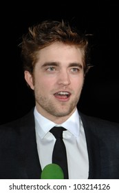 "Robert Pattinson  at the ""The Twilight Saga: New Moon"" Los Angeles Premiere, Mann Village Theatre, Westwood, Ca. 11-16-09"