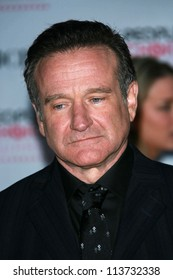 Robin Williams arriving at The 33rd Annual People's Choice Awards. Shrine Auditorium, Los Angeles, CA. 01-09-07