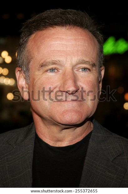 """Robin Williams attends the """"Man of the Year"""" Los Angeles Premiere held at the Grauman's Chinese Theatre in Hollywood, California on October 4, 2006."""