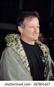 Robin Williams at HARRY POTTER & THE CHAMBER OF SECRETS, NY 11/10/2002