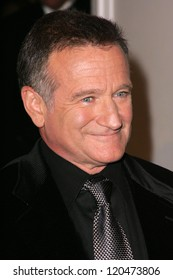 Robin Williams at the Hollywood Film Festival's 10th Annual Hollywood Awards Gala. Beverly Hilton Hotel, Beverly Hills, CA. 10-23-06