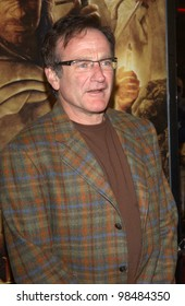 ROBIN WILLIAMS at the USA premiere of The Lord of the Rings: The Return of the King, in Los Angeles. December 3, 2003  Paul Smith / Featureflash