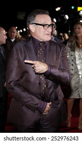 """Robin Williams at the World Premiere of """"Old Dogs"""" held at the El Capitan Theater in Hollywood, California, United States on November 9, 2009."""