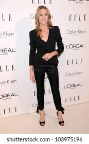Robin Wright at the 16th Annual Elle Women in Hollywood Tribute Gala. Four Seasons Hotel, Beverly Hills, CA. 10-19-09