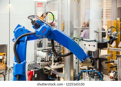 Robot arm in technology process