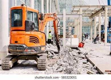 Robot Equipment is destroying the floor In construction zone.
