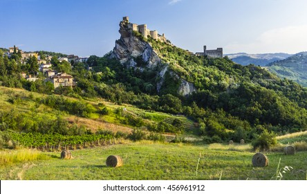 Roccascalegna - impressive castle over rock in Abruzzo, Italy