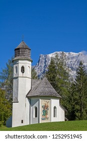 The Rochus Chapel, in the background the Zugspitze was built in 1611 as a plague chapel