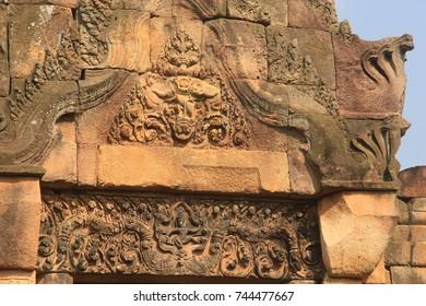 Rock Castle in Thailand, PRASAT  MUANG TAM ( Lower Town Castle)