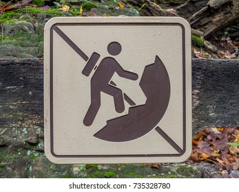 Rock climbing and rappelling prohibited sign