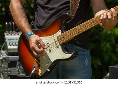 rock guitarist live concert