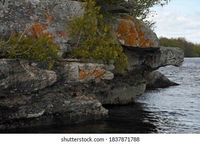 Rock ledge over the St Lawrence River at Thousand Islands National Park