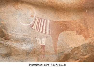 Rock paintings, petroglyphs, murals. Laas Geel, also spelled Laas Gaal, are cave formations on the rural outskirts of Hargeisa, Somalia. Somaliland