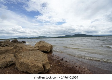 Rock shock wave Water flow In the river